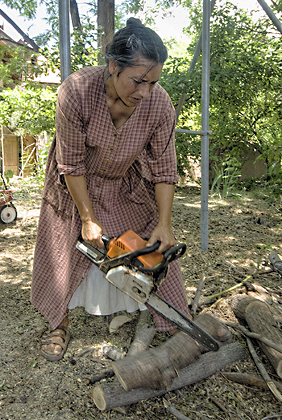 Rox Using Chainsaw